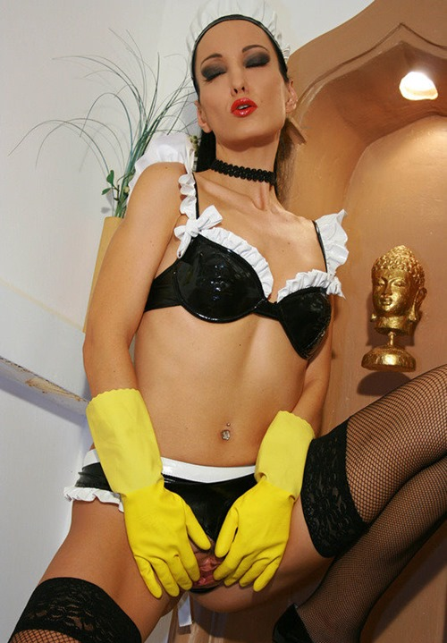 glovemansion-french-maid-masturbates