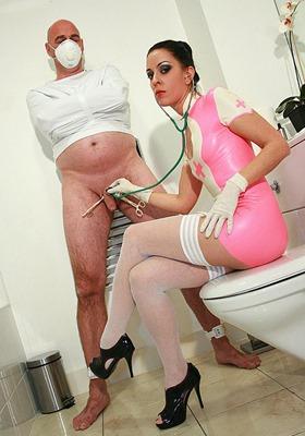 glovemansion-lady-bellatrix-teases-her-patient