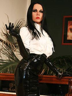 glovemansion amanda black